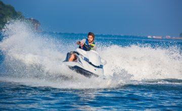 Apto a conduzir moto aquática, geralmente nos limites da navegação interior (rios, lagos, lagoas, etc).
